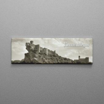 Calamita in bianco e nero del Castello di Roccascalegna